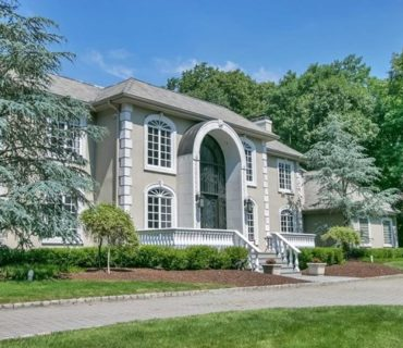 27 Burning Hollow Road, Saddle River, NJ